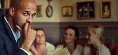 Brèves de célibataire #5 : L'interrogatoire de l'amour | Le Mag Meetic