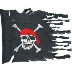 Ce drapeau de pirate en tissu mesure 74 cm x 91 cm. Ce pavillon est de couleur noire. Un crâne, portant un foulard rouge, ainsi que deux os croisés, se trouvent au centre. Il est complètement lacéré sur le côté, afin de lui donner un effet plus réaliste.