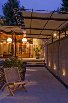 Ide untuk kanopi :)  (Sourdough Home by Pearson Design Group)