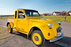 """The Citroën 2CV -     In the southwestern Bavarian town of Hohenfurch, two body-shop workers operate a recycling station for dilapidated 2CV models. Together with two engineers from Oberammergau, they've converted the cult vehicle into an e-car. """"The duck is the ideal electric car because it's light,"""" says engineer Andreas Mück."""