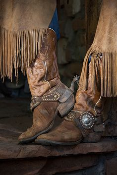 Cowgirl's boots and spurs