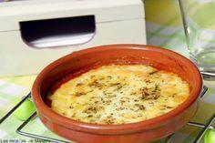 Provolone con tomate y orégano. Seguro que has comido este entrante en algún restaurante italianao. Aprende a hacerlo en casa gracias al blog Las Recetas de Masero.