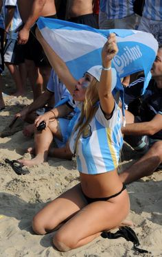 26 Hottest Fans Of The 2014 World Cup