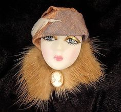 Lady Head brooch Flappers, Head Pins, Doll Face, Vintage Costumes, Brooch Pin, Jewelery, Polymer Clay, Vintage Jewelry, Winter Hats