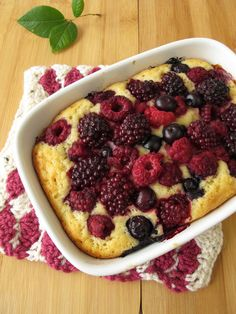 Sweet And Simple Dessert: Triple Berry Butter Cake - 12 Tomatoes