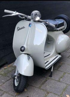 Vespa Ape, Piaggio Vespa, Vespa Lambretta, Vespa Scooters, Super Bikes, Sidecar, Cars Motorcycles, Vintage Vespa, Vehicles