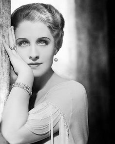 Norma Shearer 1932 by George Hurrell