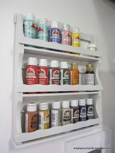 Get Organized In 2014 - 20 Genius Upcycled Storage Ideas - Giddy Upcycled - Acrylic Paint Storage with an Old Spice Rack Acrylic Paint Storage, Acrylic Paint Bottles, Craft Paint Storage, Bottle Painting, Craft Organization, Organization Station, Spice Rack Paint, Wood Spice Rack, Spice Racks