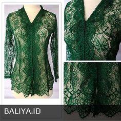 Kebaya Lace, Kebaya Brokat, Kebaya Dress, Dress Brukat, Batik Dress, Model Kebaya, Dress Neck Designs, Traditional Outfits, Bali