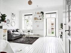 Dreamy & light small studio apartment