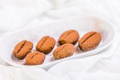 Kávová zrna – Snědeno.cz Muffin, Cookies, Breakfast, Desserts, Christmas, Food, Crack Crackers, Morning Coffee, Tailgate Desserts