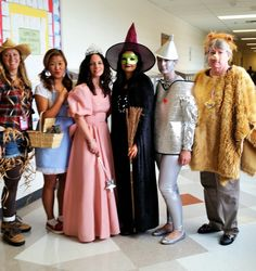 Wizard of Oz halloween group costume. Teachers!  sc 1 st  Pinterest & Cool Homemade Wizard of Oz Group Costume | follow the yellow brick ...