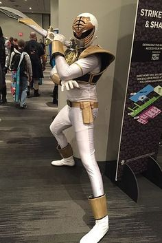 21 Amazing Cosplayers Who Brought Their Favorite Comic Book Characters To Life Power Rangers Sword, Power Rangers Cosplay, Power Rangers Halloween, Comic Book Characters, Comic Books, Black Cosplayers, Costume Ideas, Costumes, Mighty Morphin Power Rangers
