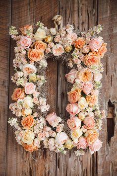 rose + Spanish moss wreath | Amelia + Dan #wedding