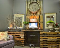 81 DIY desks from wooden pallets 2019 Pallet desk for you office! Decor, Furniture, Home Office Furniture, Home, Diy Desk, Wooden Pallets, Pallet Diy, Pallet Table, Pallet Desk