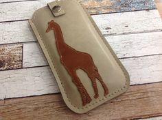 Handytasche nach Maß - Leder / Giraffe  von Angie Holste -  Manufaktur ☆ Accessoires aus Leder auf DaWanda.com