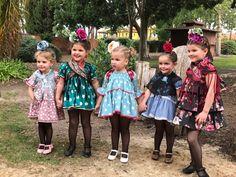 Flamenca niña Country Scenes, My Little Girl, Beautiful Children, Spain, Costumes, Boho, Kids, How To Wear, Pictures