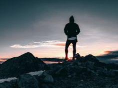 10 citátov o vytrvalosti, ktoré ti pomôžu pokračovať, keď to budeš chcieť vzdať Napoleon Hill, Benjamin Franklin, Victor Hugo, Steve Jobs, Keds, Discovery, Things To Do, Bring It On, Vacation