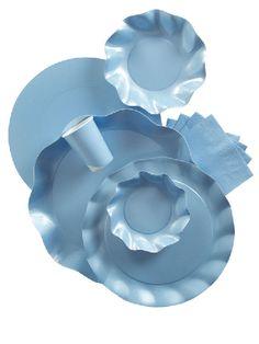 Coordinato tavola azzurro perlato. Piatti, coppette, vassoi, ciotole in cartoncino riciclato, usa e getta. Ecologici e made in Italy. Disponibili da C&C Creations. Apparecchia con eleganza momenti indimenticabili.