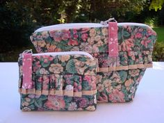 Rose and Hobble print  - zipper pouches set - cosmetic - coins - cards - sewing. £9.75