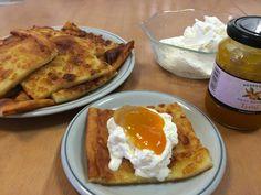 Perjantaina klo 22.30 soi isännän puhelin keittiössä. Olimme jo ehtineet mennä nukkumaan, sillä väsynyt messureissaaja oli vain p... Pancakes, French Toast, Eggs, Breakfast, Morning Coffee, Pancake, Egg, Egg As Food, Crepes