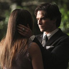 """Everything You Need To Know About Nina Dobrev's """"Vampire Diaries"""" Exit - BuzzFeed News"""