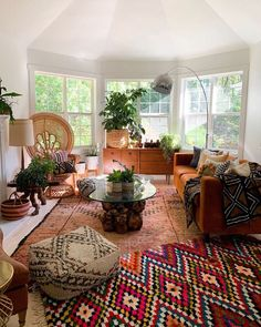 Bohemian Latest And Stylish Home decor Design And Life Style Ideas : Bohemian Latest And Stylish Home decor Design And Life Style Ideas Boho Chic Living Room, My Living Room, Living Room Styles, Bohemian House, Modern Bohemian, Stylish Home Decor, Eclectic Decor, Living Room Inspiration, Interior Design Living Room