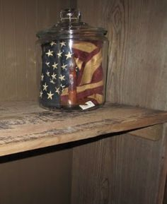 THIS is what I can do with that vintage-looking patriotic ribbon I have! Just Country Happenings! Fourth Of July Decor, 4th Of July Decorations, 4th Of July Party, July 4th, Americana Crafts, Patriotic Crafts, July Crafts, Patriotic Room, Rustic Americana Decor