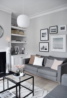 10 Energetic Clever Hacks: Minimalist Bedroom Ideas Drawers minimalist home design small spaces.Minimalist Home Decoration Hanging Planters minimalist bedroom budget house. Cozy Living Rooms, Living Room Grey, Living Room Interior, Home Living Room, Living Room Designs, Apartment Living, Bedroom Apartment, Apartment Therapy, Black White And Grey Living Room