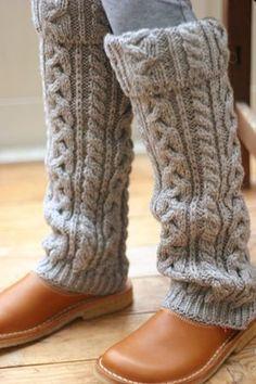 60 ideas for crochet slippers boots leg warmers Crochet Slipper Boots, Knit Boots, Crochet Slippers, Guêtres Au Crochet, Mode Crochet, Boots With Leg Warmers, Crochet Leg Warmers, Boot Cuffs, Boot Socks