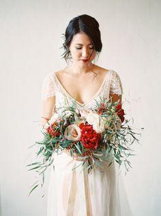 Photography: Meiwen Wang  - meiwens.com Wedding Dress: Maggie Sottero - http://www.maggiesottero.com/ Floral Design: Picktulip - http://www.picktulip.com/   Read More on SMP: http://www.stylemepretty.com/2016/03/10/modern-san-diego-warehouse-wedding/