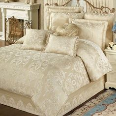 Francesca light gold comforter bedding в 2019 г. bedroom com Gold Bedding Sets, Gold Comforter, Bedding Sets Online, Luxury Bedding Sets, Comforter Sets, King Comforter, Floral Comforter, Cheap Bed Sheets, House Beds