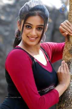 priyamani_new_hot_stills_2802121021_042.jpg (680×1024)