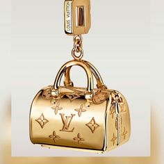 Louis Vuitton Pendant 24k. FOLLOW my  on Jewels 4me Pinterest @Chanel Monroe