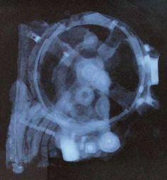 Radiografia da cui si è evinto il possibile funzionamento e completamento del meccanismo di Antikitera