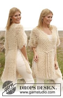 "Knitted DROPS poncho with lace pattern in ""Symphony"". Size: S - XXXL. ~ DROPS Design"