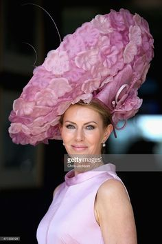 A lady in a large hat arrives for day 1 of Royal Ascot at Ascot Racecourse on June 2015 in Ascot, England. (Photo by Chris Jackson/Getty Images) Royal Ascot Ladies Day, Royal Ascot Hats, Fascinator Hats, Fascinators, Crazy Hats, Fancy Hats, Big Hats, Kentucky Derby Hats, Church Hats