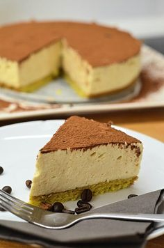Do takéhoto teplého počasia sa asi viacej hodia takéto osviežujúce cheesecaky z chladničky, však? :)Je to vlastne nepečený cheesecake (iba piškótu treba
