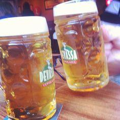 Bebendo com o parceiro @pedroalbernaz um brinde á Goiás!
