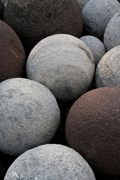 the poetry of material things Pebble Stone, Stone Art, Paint Color Schemes, Sticks And Stones, Beach Stones, Rocks And Minerals, Crystal Ball, Rock Art, Textures Patterns
