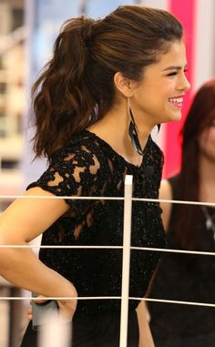 Cute Everyday Hairstyles: Selena Gomez Ponytail Hair Style