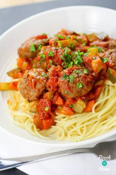 This Meatball Marinara is perfect for the whole family, in fact it's that good they probably won't even realise it's a slimming-friendly meal. Best Pasta Recipes, Vegetarian Recipes, Healthy Recipes, Healthy Meals, Keto Recipes, Healthy Food, Marinara Recipe, Marinara Sauce, Meatball Marinara