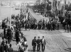 Από την υποδοχή του σουλτάνου Μεχμέτ Ε' Ρεσάντ που επισκέφθηκε τη Θεσσαλονίκη το 1911, στο πλαίσιο της περιοδείας του στα Βαλκάνια. The Turk, Thessaloniki, Sufi, Macedonia, Old Photos, Greece, Europe, Island, Istanbul