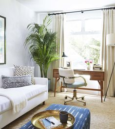Bohemian Home Office + Decor Roundup Modern Bohemian Home Office in Los Angeles featuring the Mid-Century Desk from west elm!Modern Bohemian Home Office in Los Angeles featuring the Mid-Century Desk from west elm! Home Office Space, Home Office Design, Home Office Decor, Home Decor, Office Ideas, Office Designs, Office Style, Interior Office, Room Interior