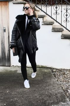 OK - but first coffee // Mirjam from www.jeneregretterien.ch is wearing Acne Studios Shearling Jacket Velocite / Adidas Stan Smith Sneakers / Mansur Gavriel Clutch / Acne Studios highwaisted Jeans / Mango Shirt / Celine Audrey sunnies