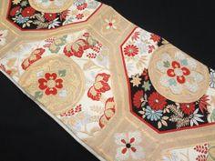アンティーク 蜀江文に華紋織り出し袋帯 Vintage Kimono, Yukata, Oriental, Wraps, Japan, Tejidos, Japanese, Rolls, Rap
