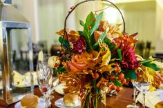 Beautiful Fall Wedding at The Atrium at the Curtis Center in Philadelphia | Aisle Perfect #wedding #reception #decor