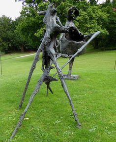 Germaine Richier, La Montagne, bronze