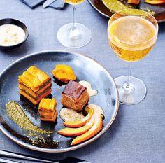 Millefeuille de potimarron à la pistache, poitrine de porc croustillante et émulsion au cidre