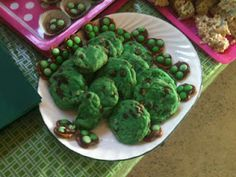 Mint Chocolate chip cookies and other green treats!